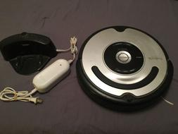 iRobot Roomba Vacuum Cleaners Pet Series Model 560 W/ Charge